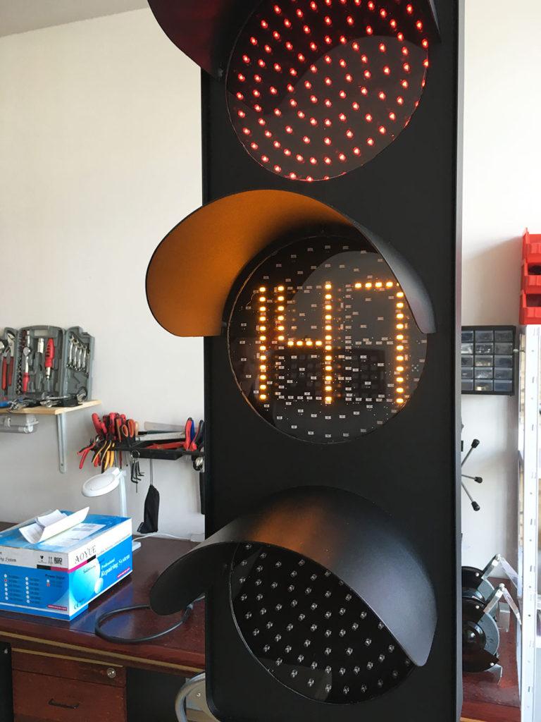 Pokretni semafor - odbrojivac preostalog vremena trajanja signala